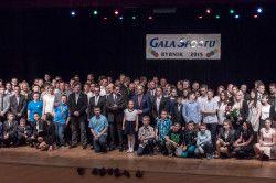 Zdjęcie rodzinne uczestników Gali Sportu